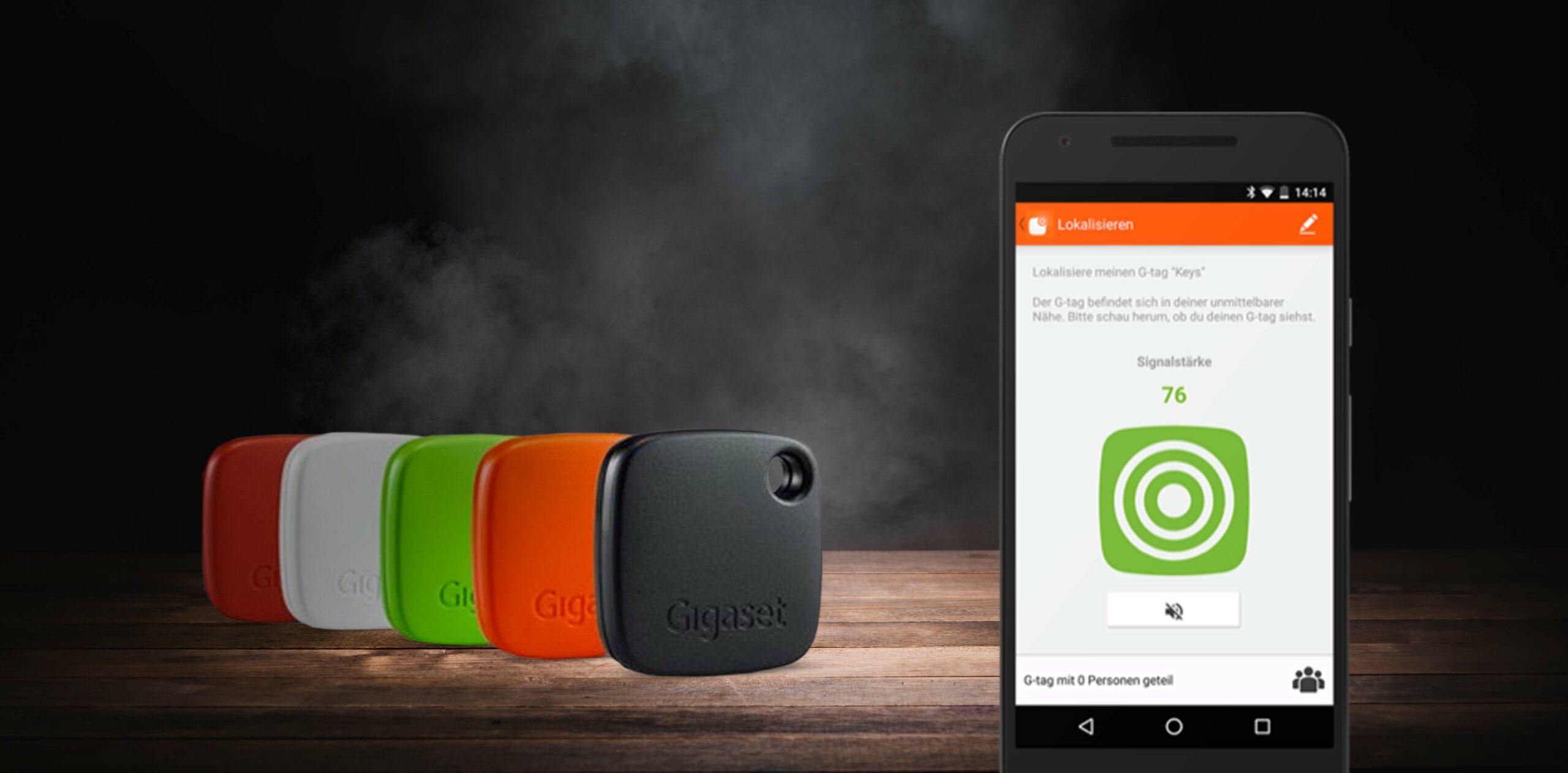 Iphone mit Screen Gigaset, daneben Gigaset 5 Token
